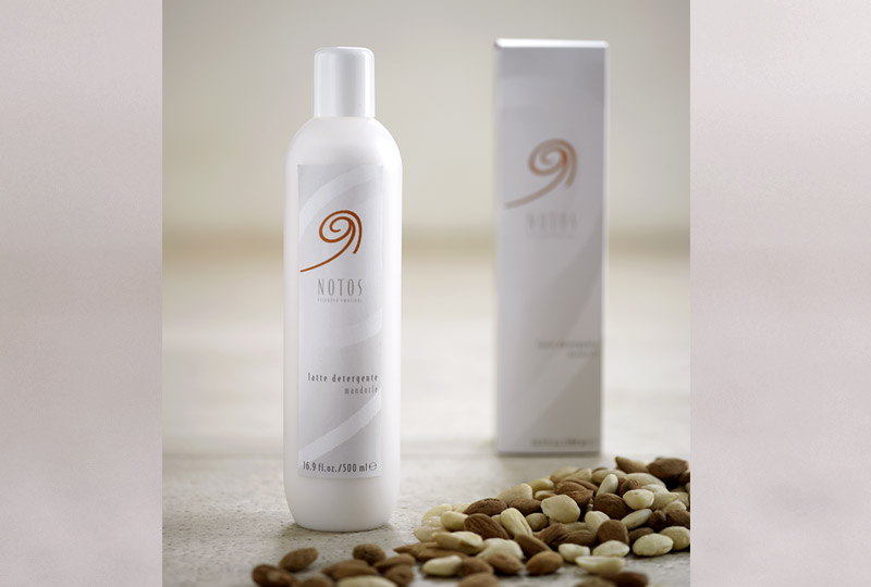 Almond make-up remover